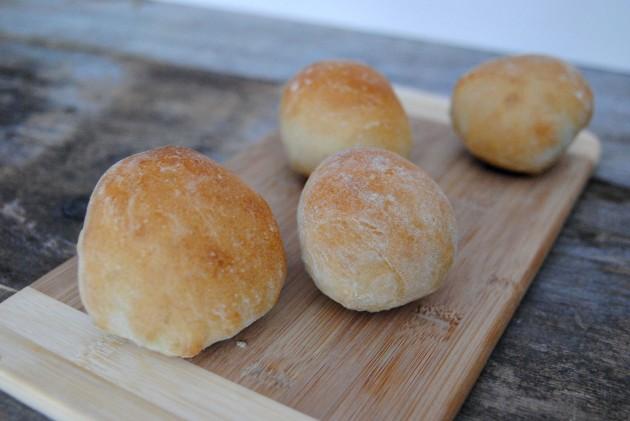 Crusty buns