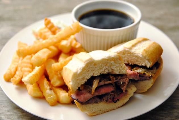 Beef dip sandwich