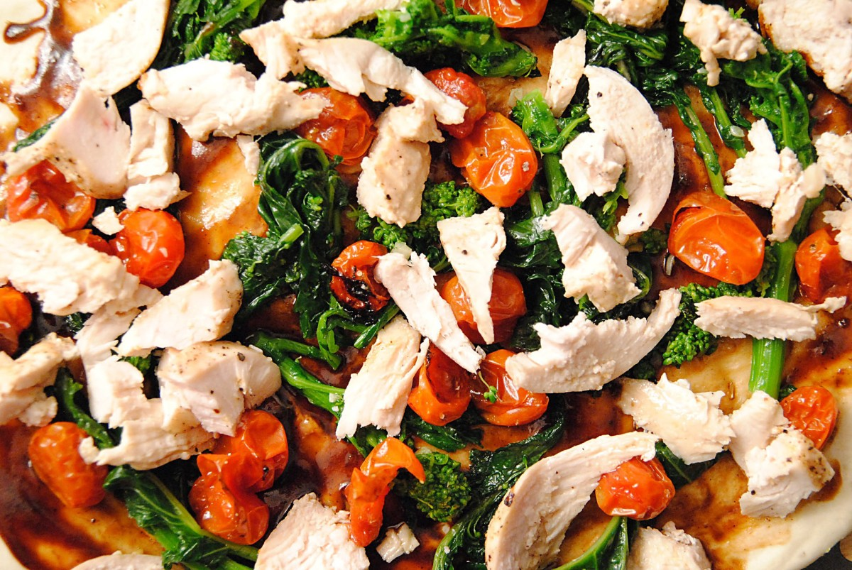 Balsamic chicken pizza with rapini and roasted tomatoes | Soph n ...
