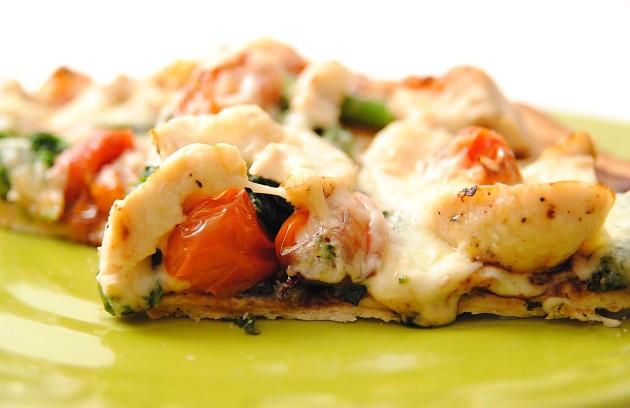 Balsamic chicken pizza